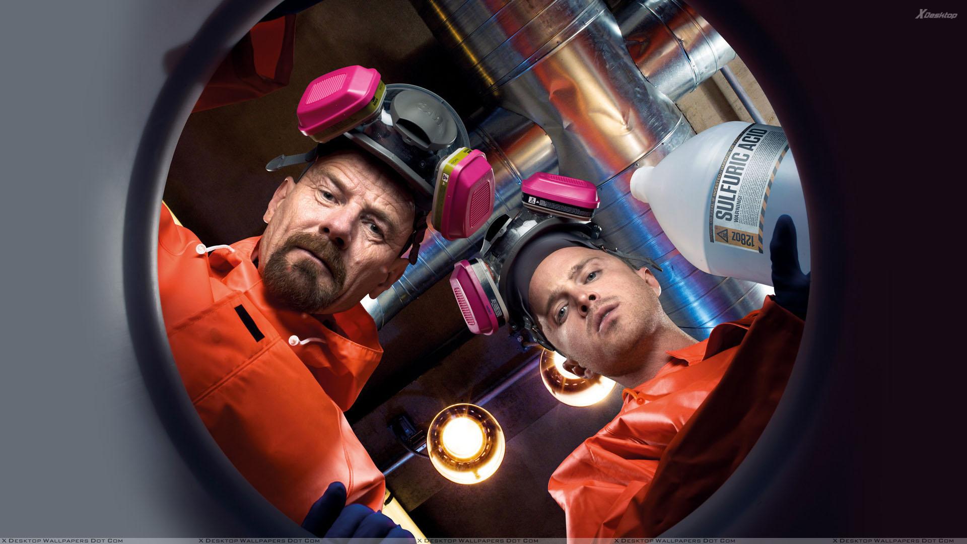 Breaking Bad - Bryan Cranston And Aaron Paul in Lab